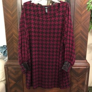 Plus Houndstooth Check Top